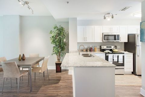 Photo Of 720 S Sapodilla Ave West Palm Beach Fl 33401 Apartment For Rent