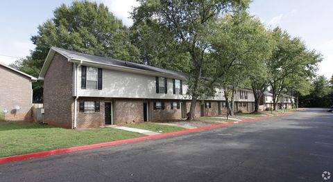 Photo of 843 Issaqueena Trl, Central, SC 29630