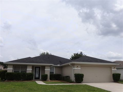 Photo of 2371 Tyson Lake Dr, Jacksonville, FL 32221