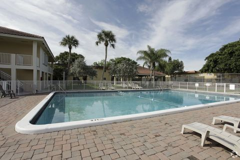 280 Sw 56th Ter, Margate, FL 33068