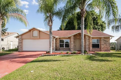 Photo of 216 Grifford Dr, Kissimmee, FL 34758
