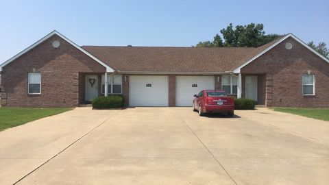 709 Great Falls Trl, Sikeston, MO 63801