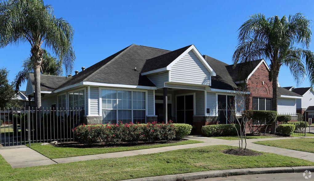 2501 E Mockingbird Ln, Victoria, TX 77904
