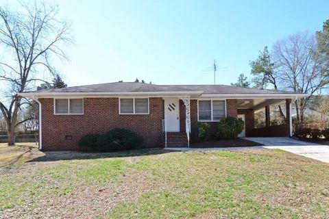 Photo of 405 Jefferson Ave, Fayetteville, GA 30214