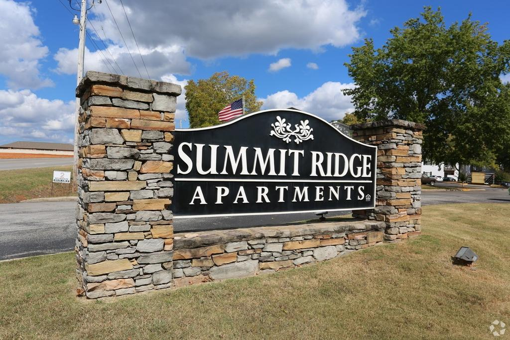 Summit Ridge Apartments 3550 Helton Dr Apartment For Rent