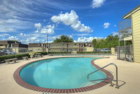 Photo of 2011 Ward Rd, Baytown, TX 77520