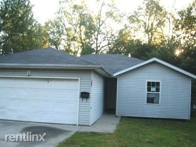 Photo of 2084 N Roosevelt Ave, Springfield, MO 65803