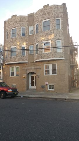 Photo of 10 S Oakland Ave Apt C4, Ventnor City, NJ 08406