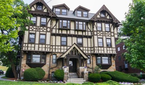 Photo of 219 Commonwealth Ave, Chestnut Hill, MA 02467