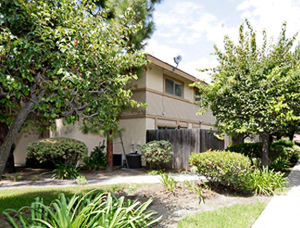4700 E Mc Kinnon Dr, Anaheim, CA 92807