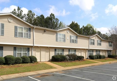 Photo of 600 S Pine Hill Rd, Griffin, GA 30224