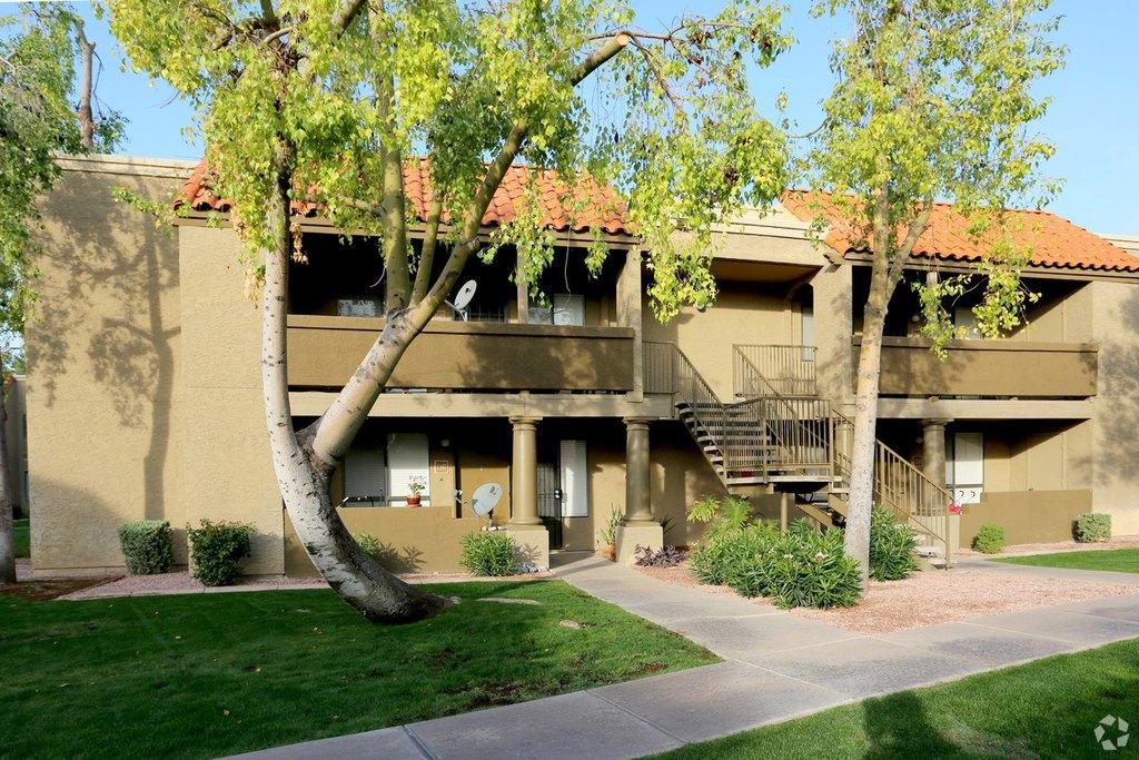 Scottsdale Place Apartments