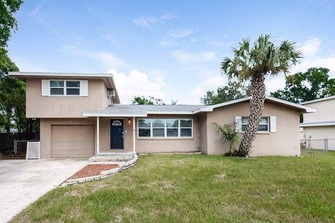 8541 Jacaranda Ave, Seminole, FL 33777