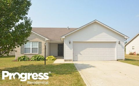Photo of 5550 Wood Hollow Dr, Indianapolis, IN 46239