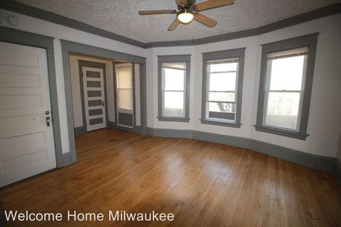 Photo of 2539-2541 N 44th St, Milwaukee, WI 53210