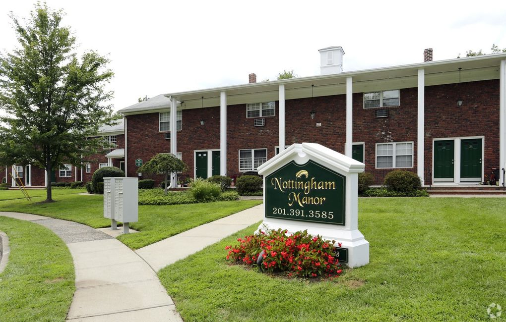 1-186 Nottingham Ct, Montvale, NJ 07645