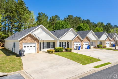 66 Cottage Dr, Newnan, GA 30265