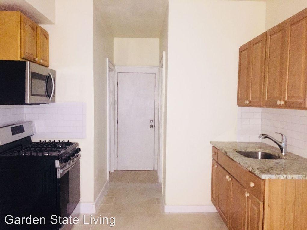109 Leslie St # 3, Newark, NJ 07112