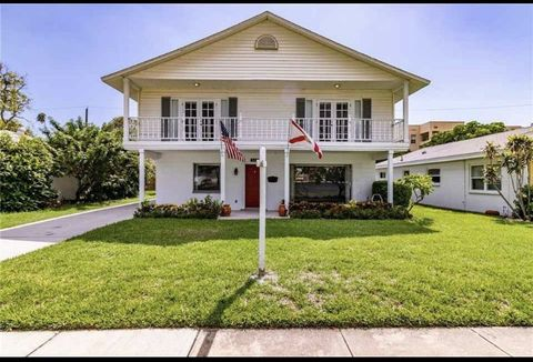 518 Channel Dr, Tampa, FL 33606