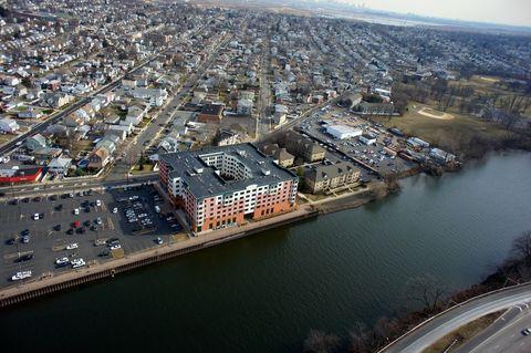 Photo of 601 Riverside Ave, Lyndhurst, NJ 07071