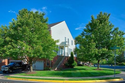 Photo of 145 Ivy Hills Ter, Purcellville, VA 20132