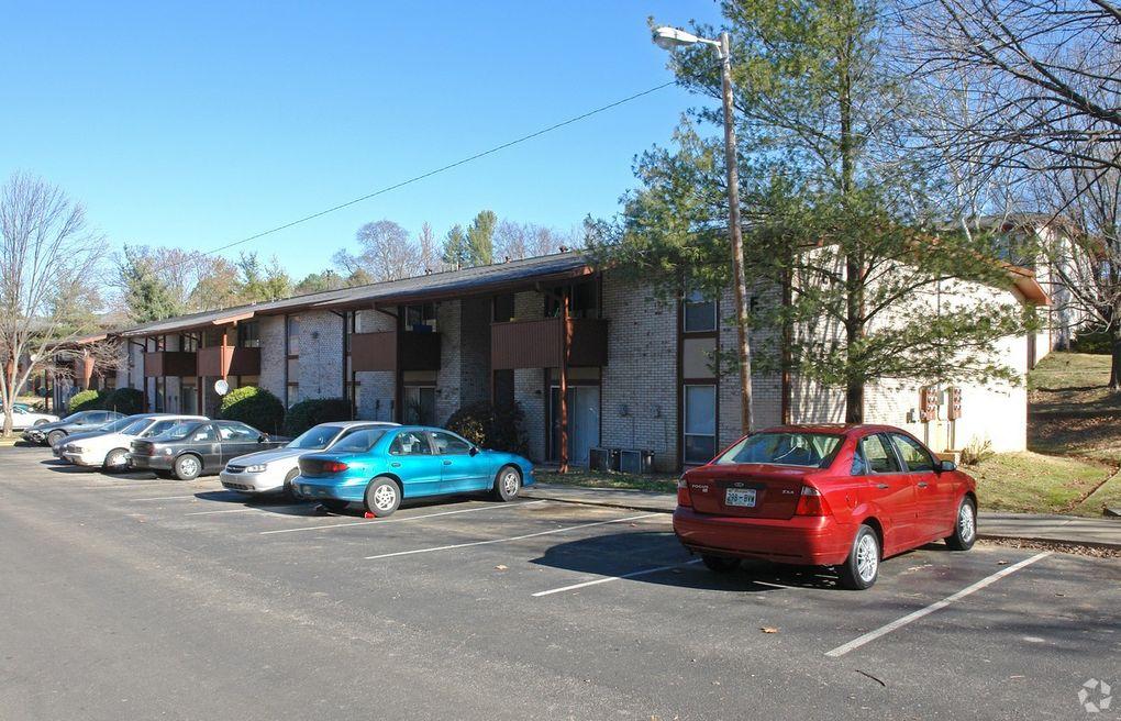 365 Paragon Mills Rd, Nashville, TN 37211