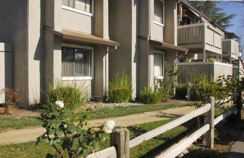220 California St, Woodland, CA 95695