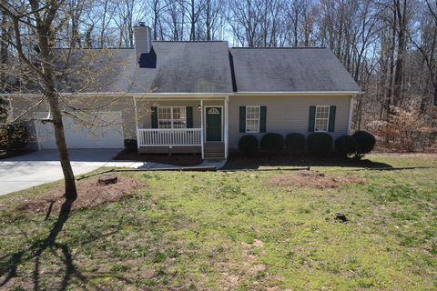 Photo of 3077 Lake Ranch Dr, Gainesville, GA 30506