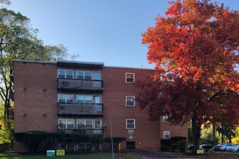 Photo of 1218 S Allen St, State College, PA 16801