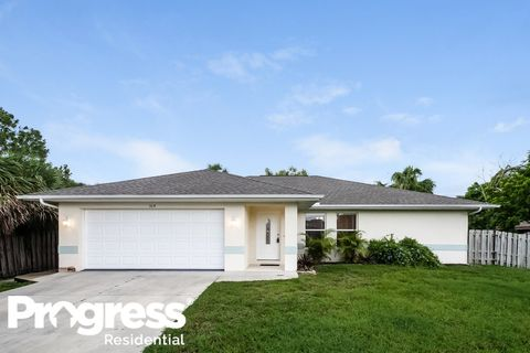 Photo of 364 Cowry Rd, Venice, FL 34293