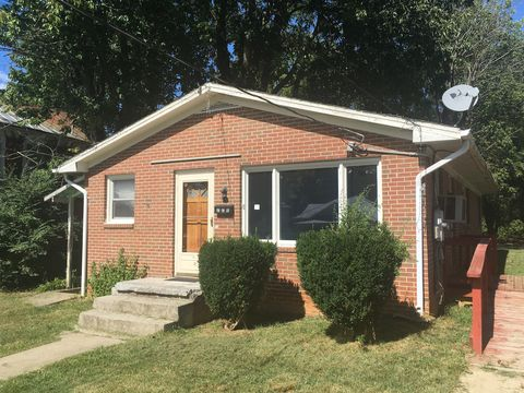 Photo of 220 Massie St, Lexington, VA 24450
