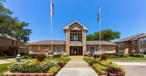 Photo of 4900 Joe Ramsey Blvd E, Greenville, TX 75401
