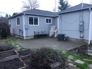 Photo of 218 Ashland Ave, Medford, OR 97504