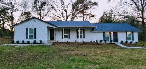 Photo of 15865 Shatterway Ln Unit B, Willis, TX 77318