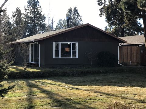 Photo of 21093 Juniperhaven Ave # 1, Bend, OR 97702