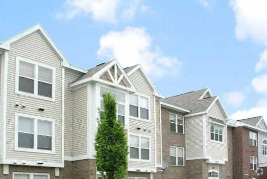 Orchard Lakes Apartments
