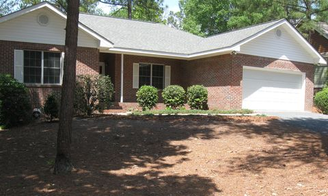 Photo of 2 Lodge Pole Ln, Pinehurst, NC 28374