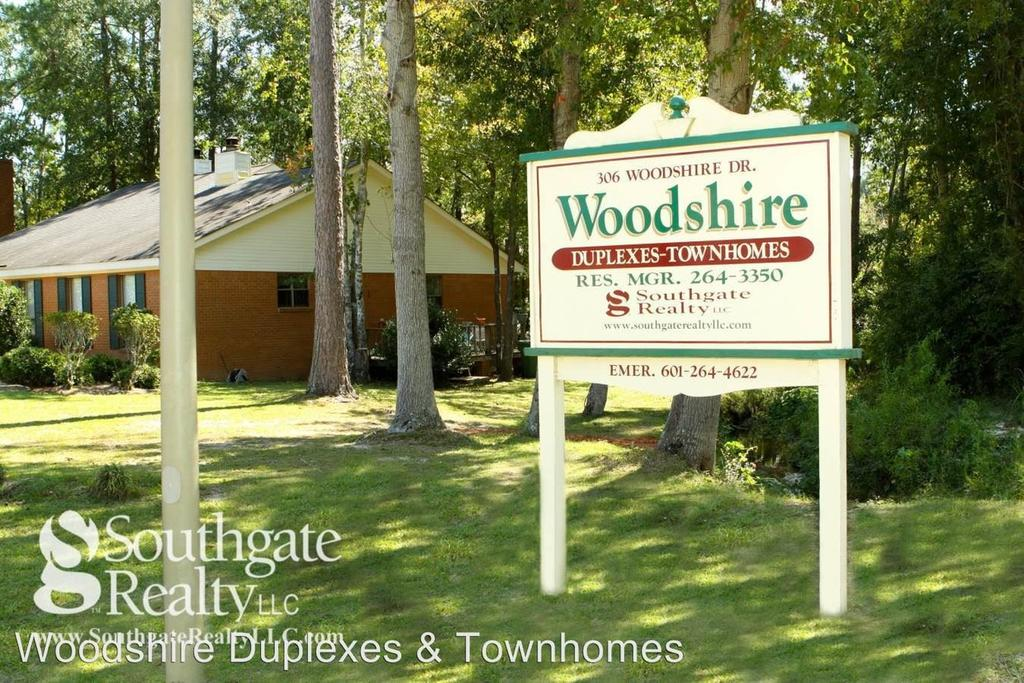 Woodshire Duplexes and Townhomes