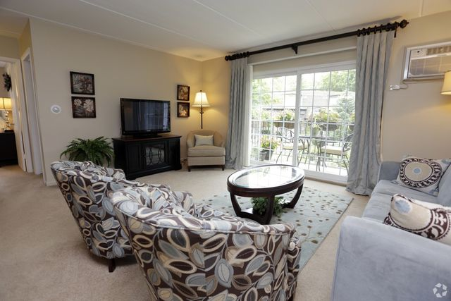 1637 s michigan ave villa park il 60181 for 17 west 720 butterfield road oakbrook terrace il 60181
