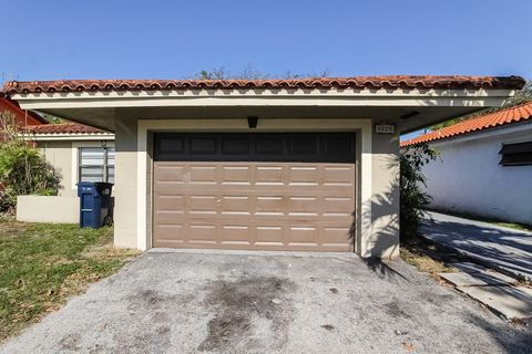 1220 Sw 136th Pl, Miami, FL 33184