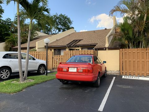 Photo of 3948 Nw 77th Ave, Davie, FL 33024