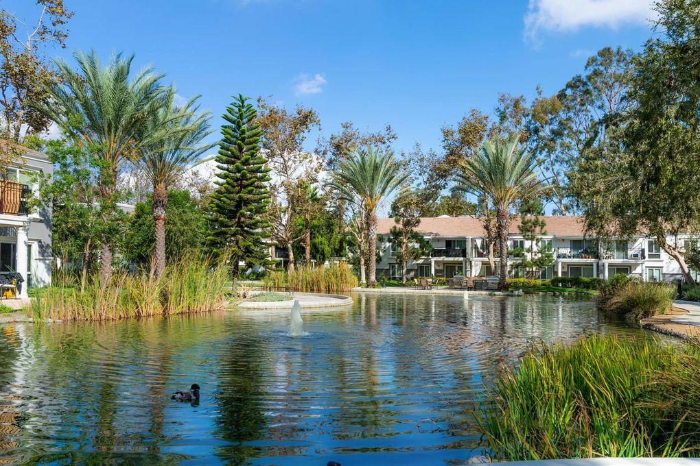 Costa Verde Apartments: 2775 Mesa Verde Dr E, Costa Mesa, CA 92626