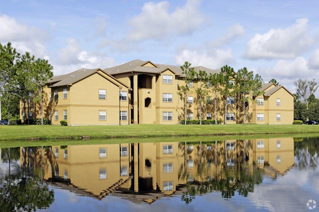 Hampton Point Apartments