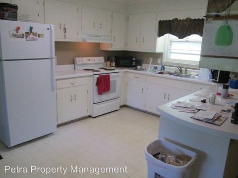 Photo of 130 Pine Lake Dr, Central, SC 29630