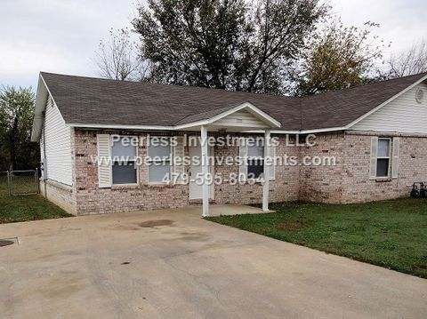 Photo of 511 4th Ave Sw, Gravette, AR 72736