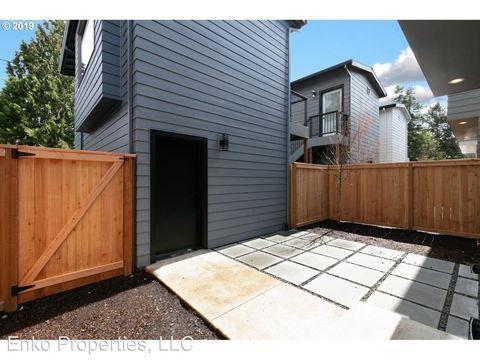 Photo of 8212 N Chautauqua Blvd, Portland, OR 97217