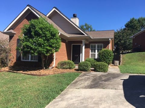 Photo of 189 Hayesbury Ct, Pelham, AL 35124