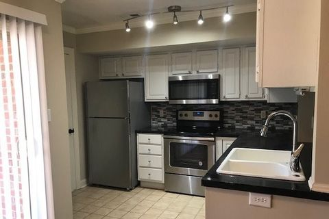 Photo of 195 Willow Bend Ct, Kernersville, NC 27284
