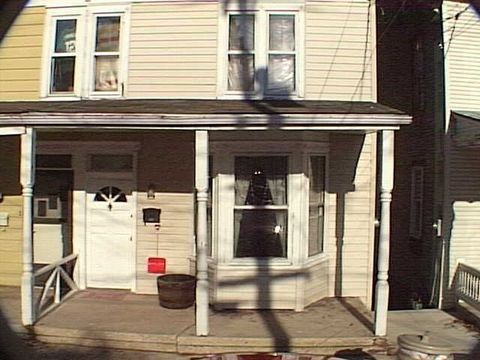 Photo of 33 W Gay St, Red Lion, PA 17356