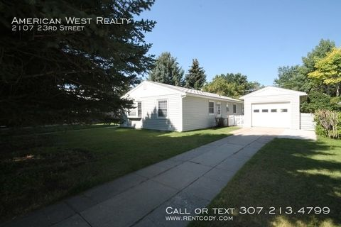 Photo of 2107 23rd St, Cody, WY 82414